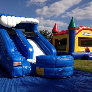 happy-kids-inflatables-3
